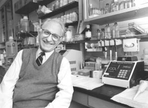 Arno G. Motulsky in University of Washington lab 1996